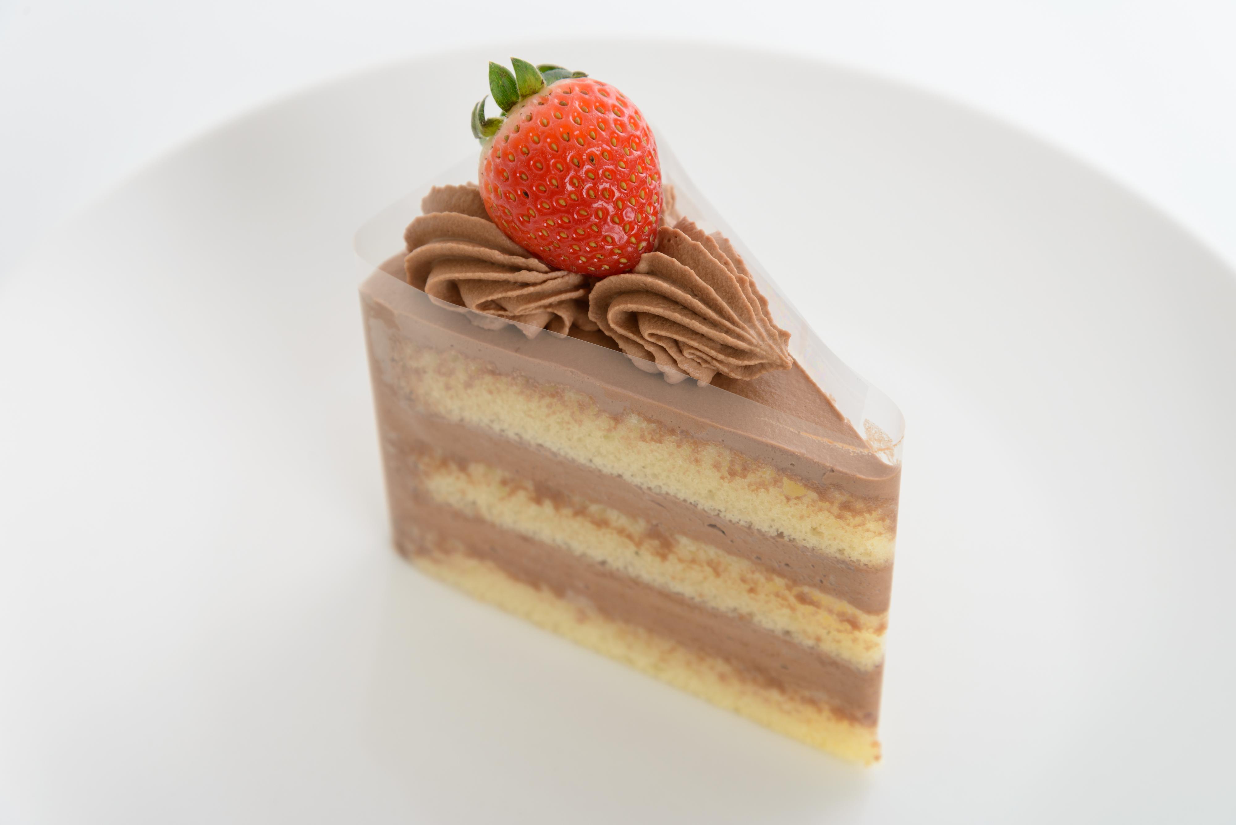 <H1>生チョコ</H1> 350円/軽い口当たりのチョコレートケーキ。 お子様にも人気です。